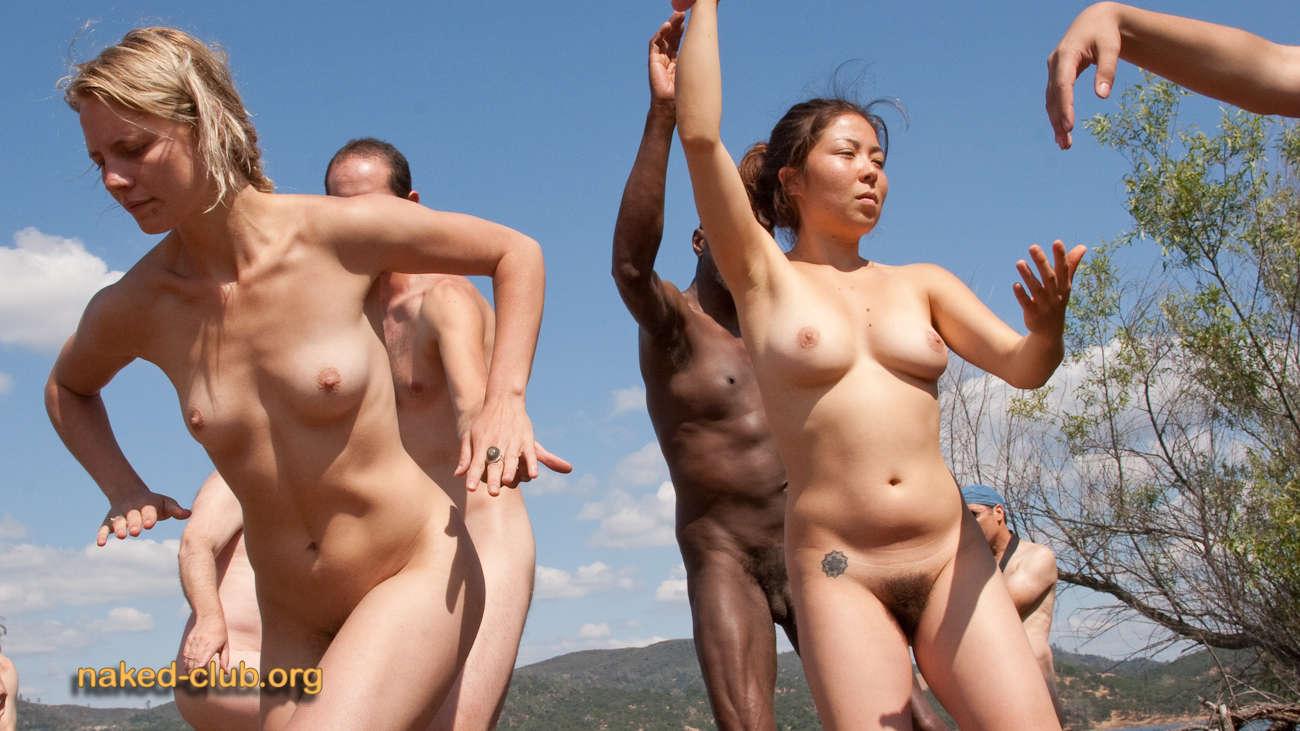 Show nudist galleries